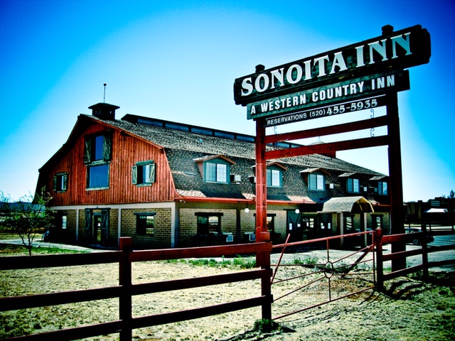 Boutique Hotel Amongst Wine Country & Famous Steak House motorcycle place Arizona